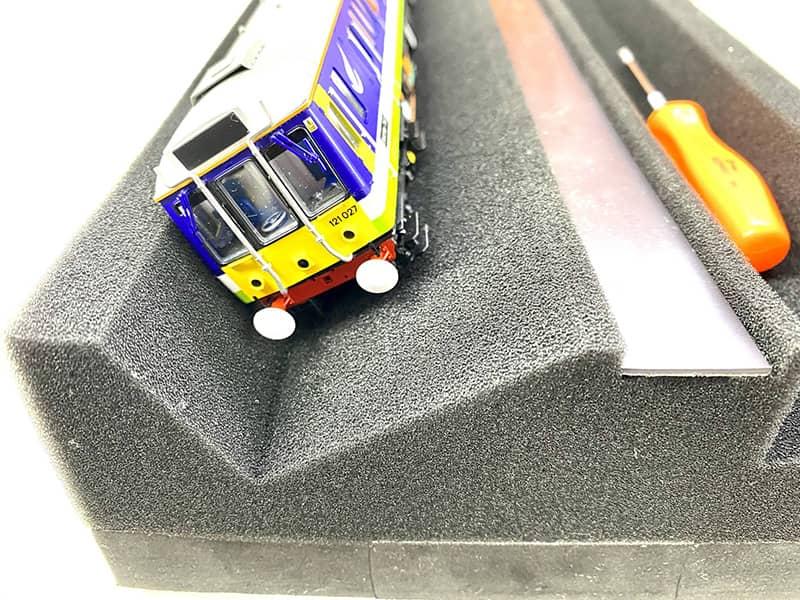 ESU 41010 Locomotive Servicing Cradle